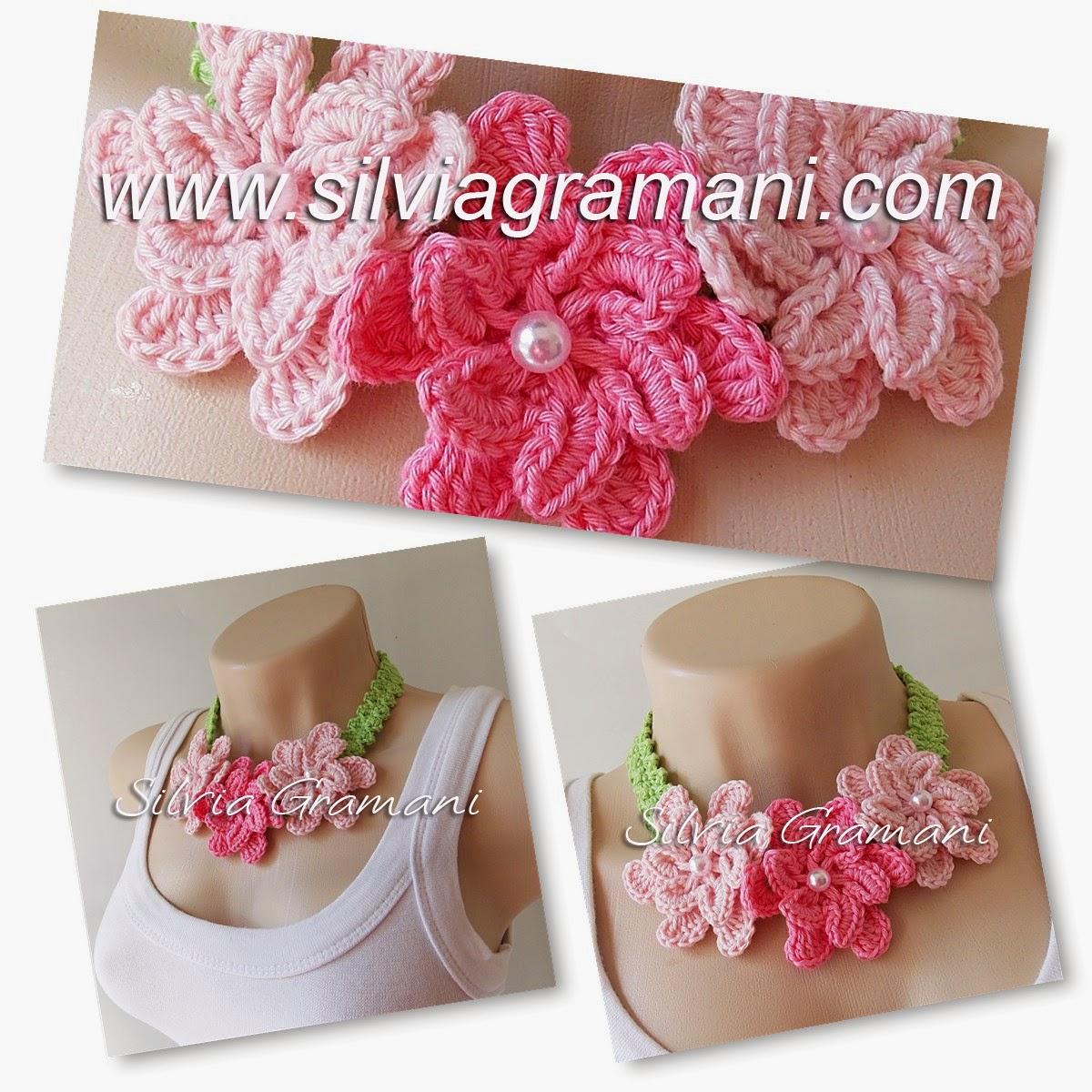 Gargantilha de Crochê com flores