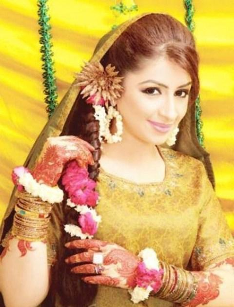 Mehndi Hairstyles Uk : Bridal mehndi dresses hairstyle hindi sms good