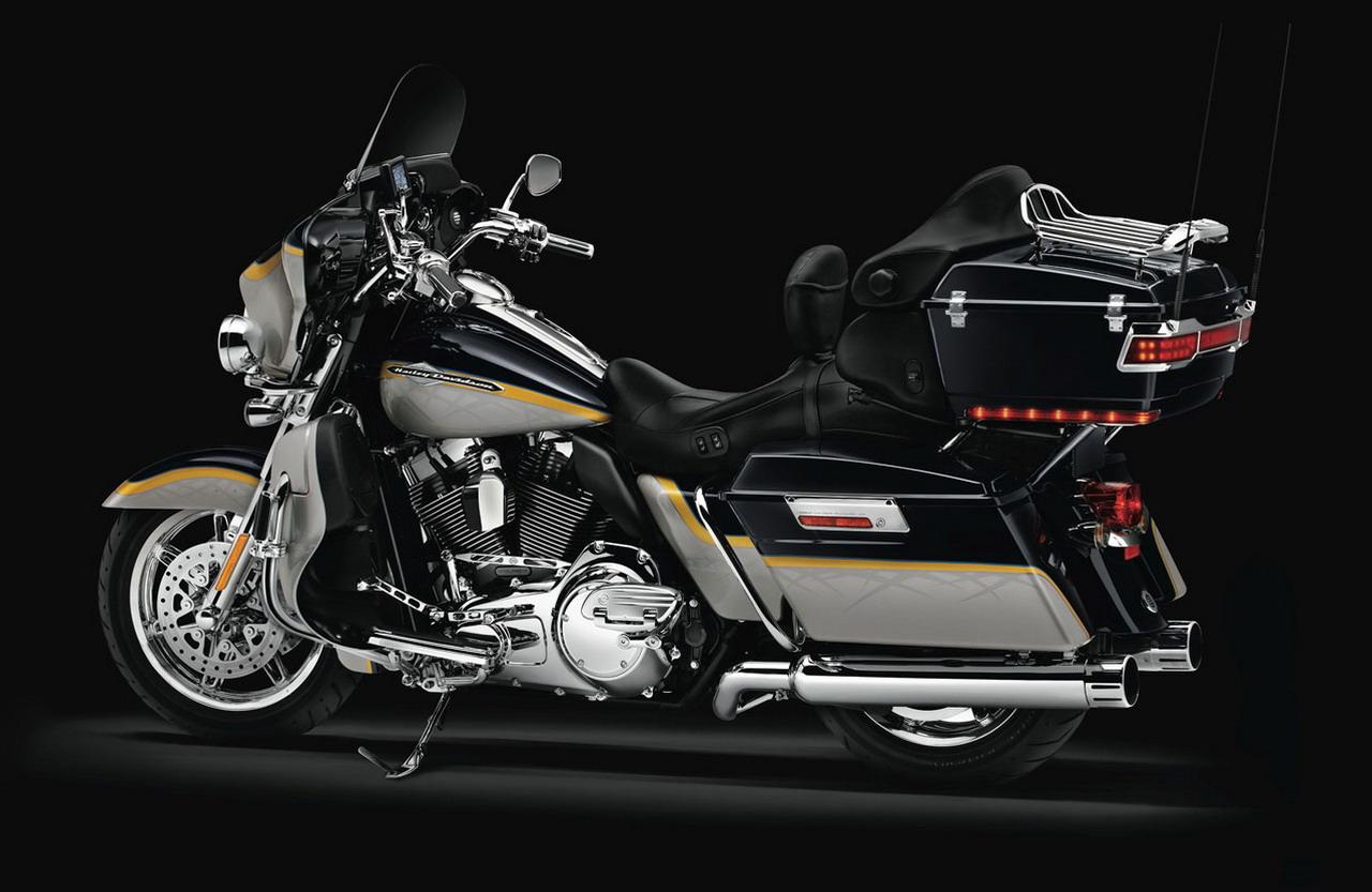 2012 Harley-Davidson FLHTCUSE7 CVO Ultra Classic Electra Glide | New