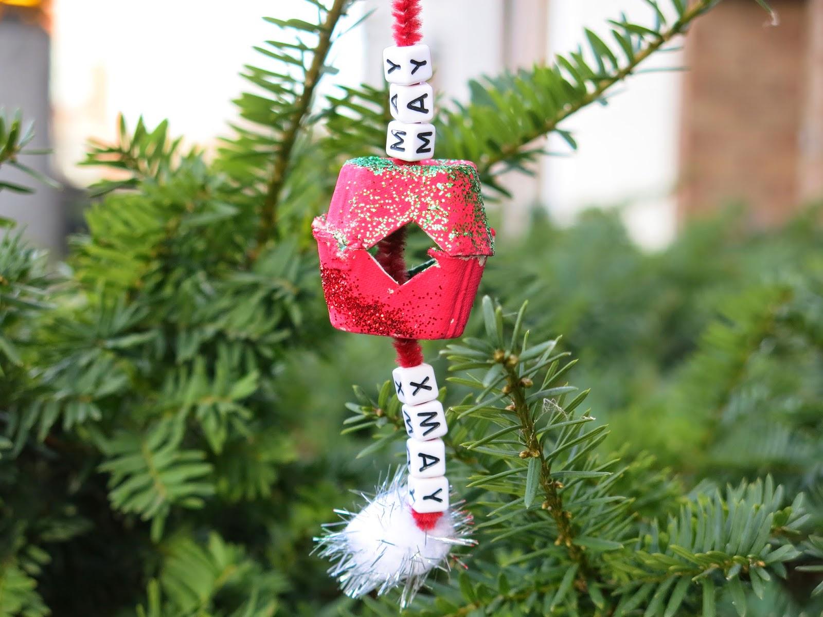 Caker Cooking: Egg Carton Christmas Ornaments