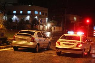 ΜΑΚΕΛΕΙΟ ΣΤΗ ΚΑΣΤΟΡΙΑ! Δύο κορίτσια 14 και 15 χρονώ πυροβόλησαν αστυνομικούς!