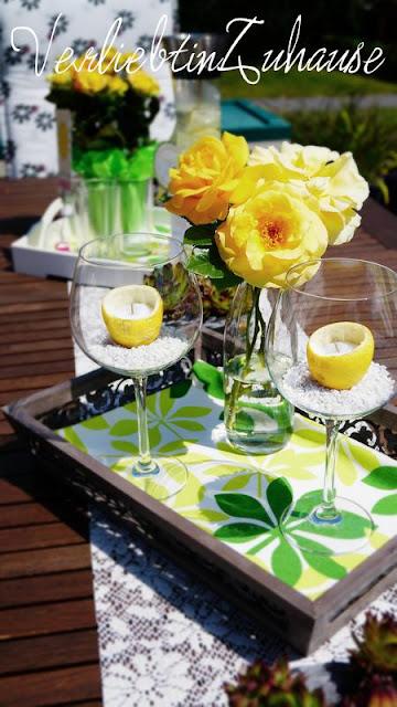 """Kerzendeko mit Zitronenhälften und meiner """"Arthur Bell""""-Rose als Centerpiece"""