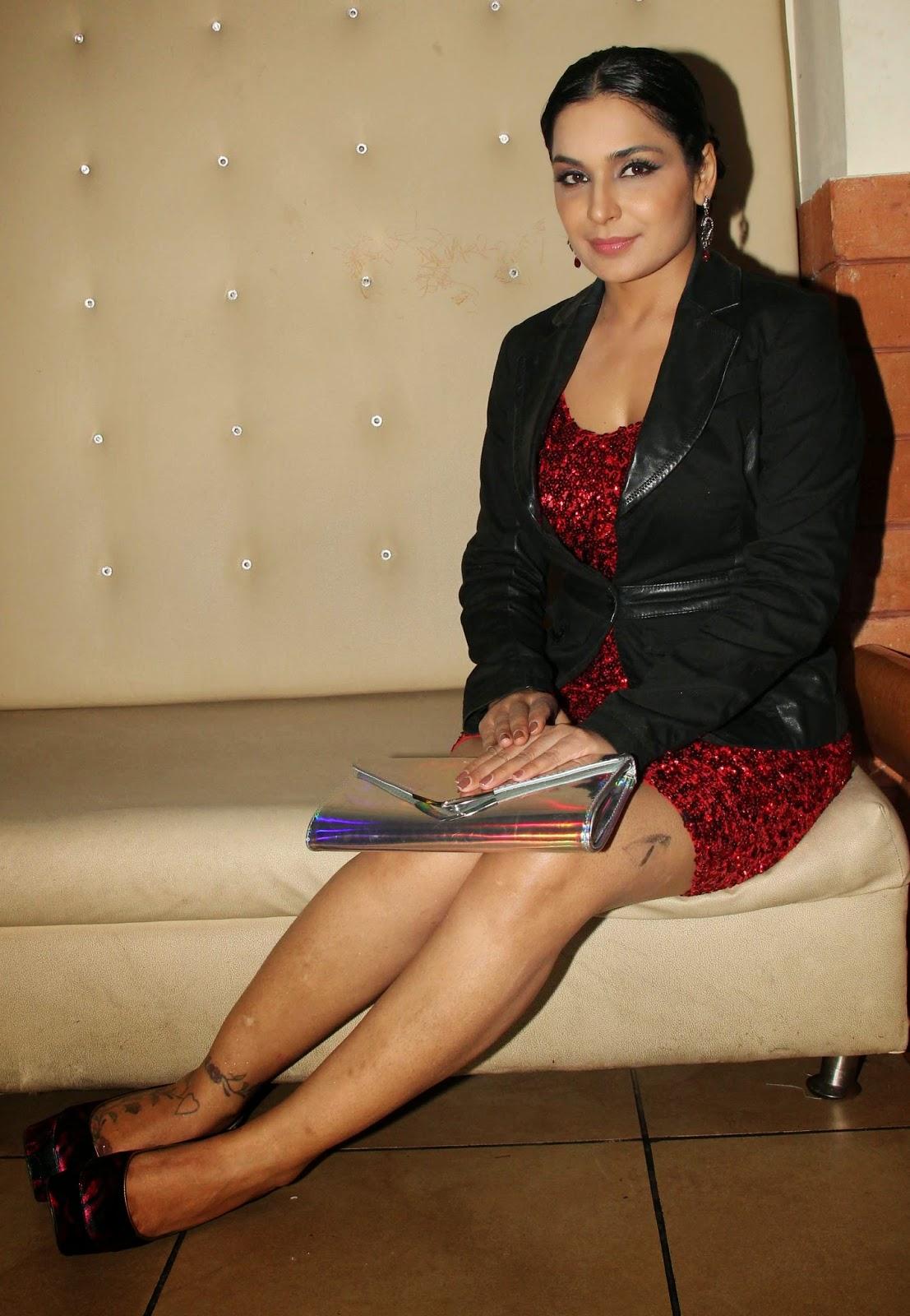 Pakistani Actress Meera with Captain Naveed Sex Scandal