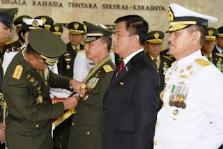 69 Perwira Tinggi TNI terima Tanda Kehormatan Negara