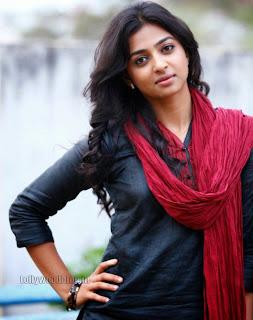 Radhika Pate Glamorous Pictures 005.jpg