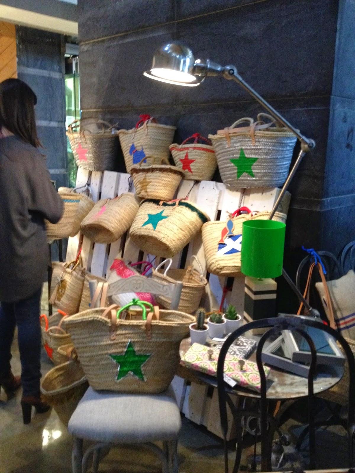 the sunday market Bilbao detalle puesto capazos