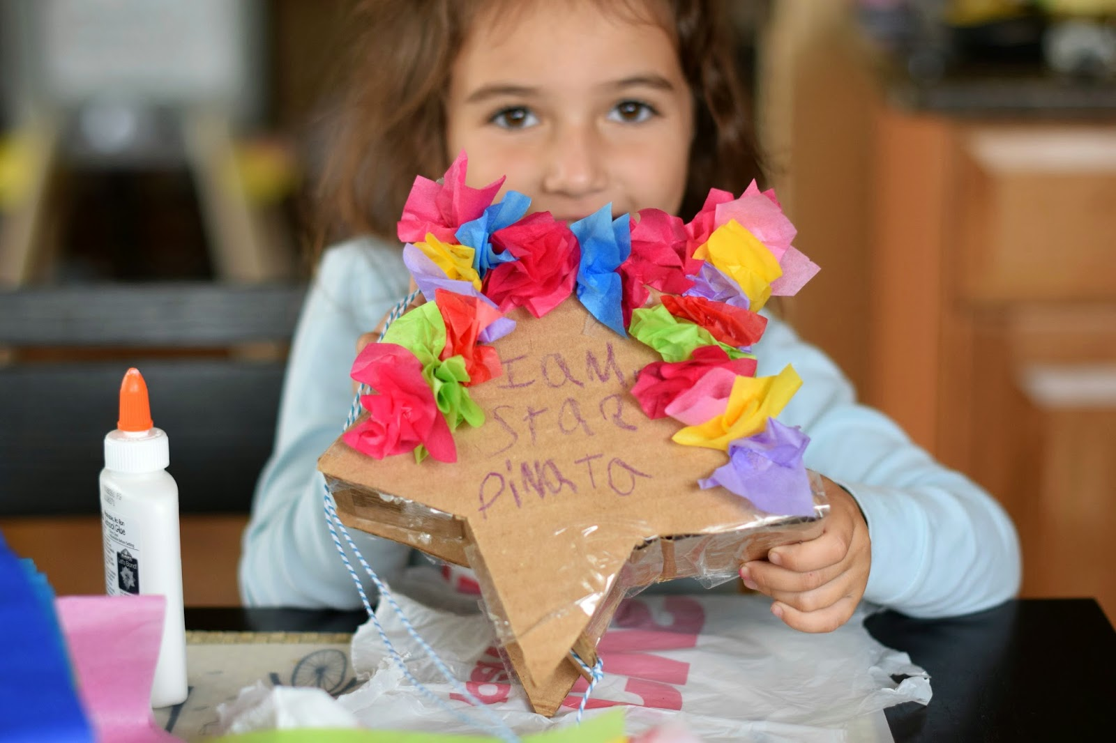 Crafting a star pinata with Elmer's glue #MotorolaBabyMonitor