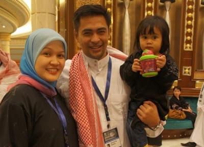 Gambar Sheikh Muszaphar Sheikh Shukor dan Keluarga Menunaikan Umrah