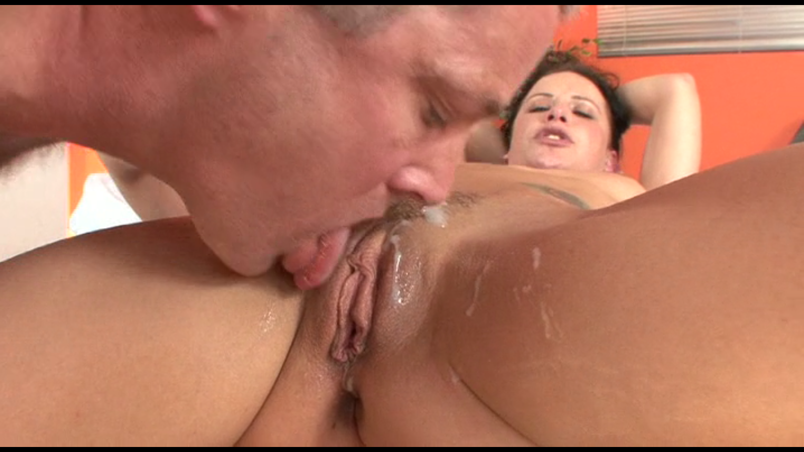 deepthroat while swallowing cum