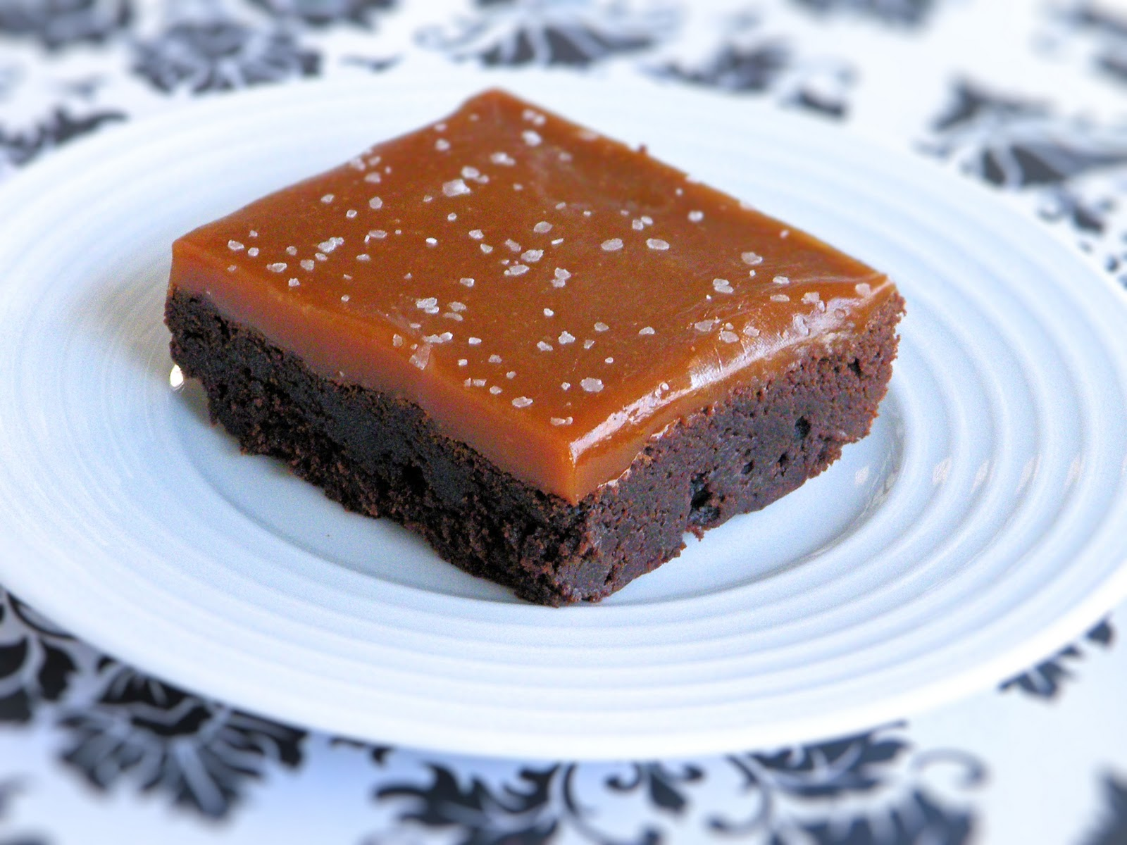 Vittles and Bits: Salted Caramel Nutella Brownies