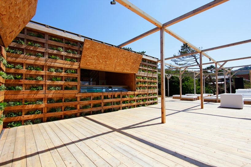 Terraza chill out en la playa con palets reciclados - Terrazas chill out ...