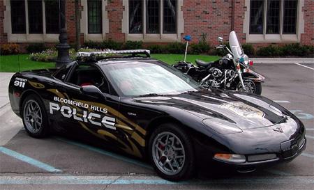 Corvette Z06 bisa ditemukan sebagai mobil polisi di Bloomfield Hills, MI, USA.
