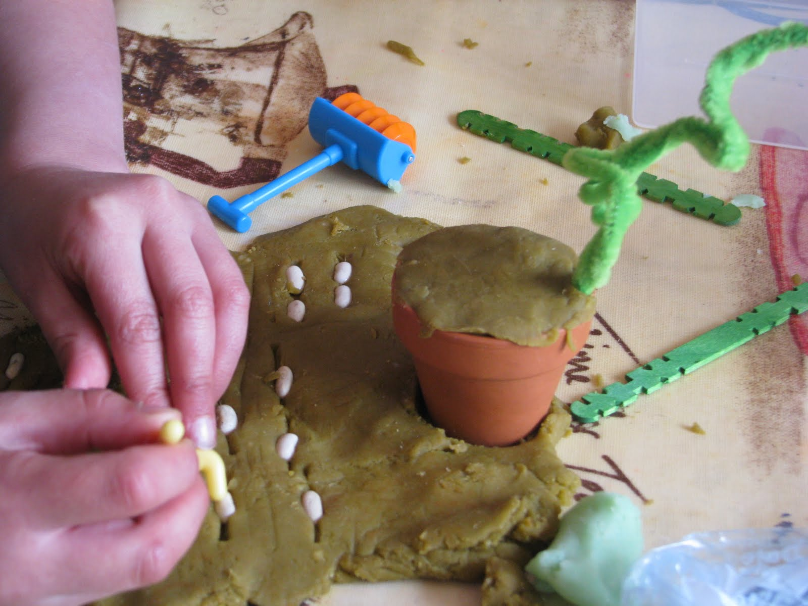 Little Blossoms Jack And The Beanstalk Play Dough