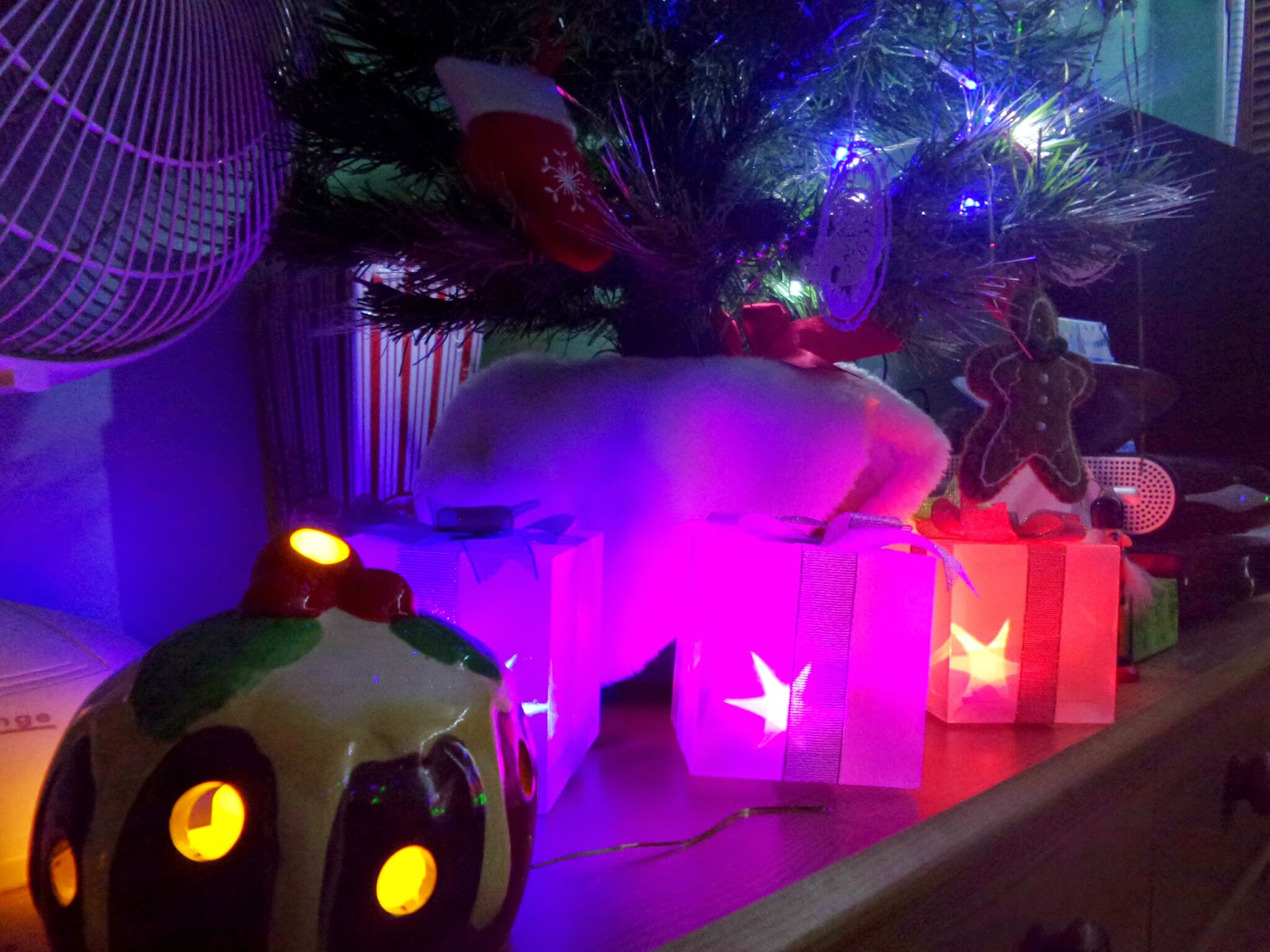 Light up gifts under the Christmas tree (and a tealight candle holder Christmas pudding shaped!)