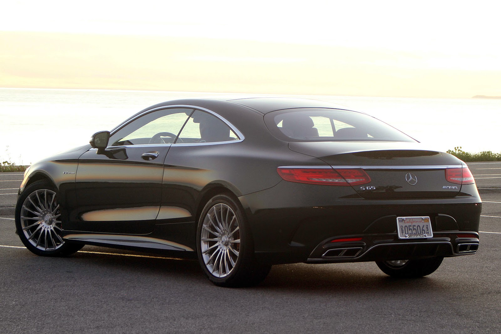 Automotiveblogz mercedes benz s65 amg coupe review 2015 for Mercedes benz s65 amg 2015