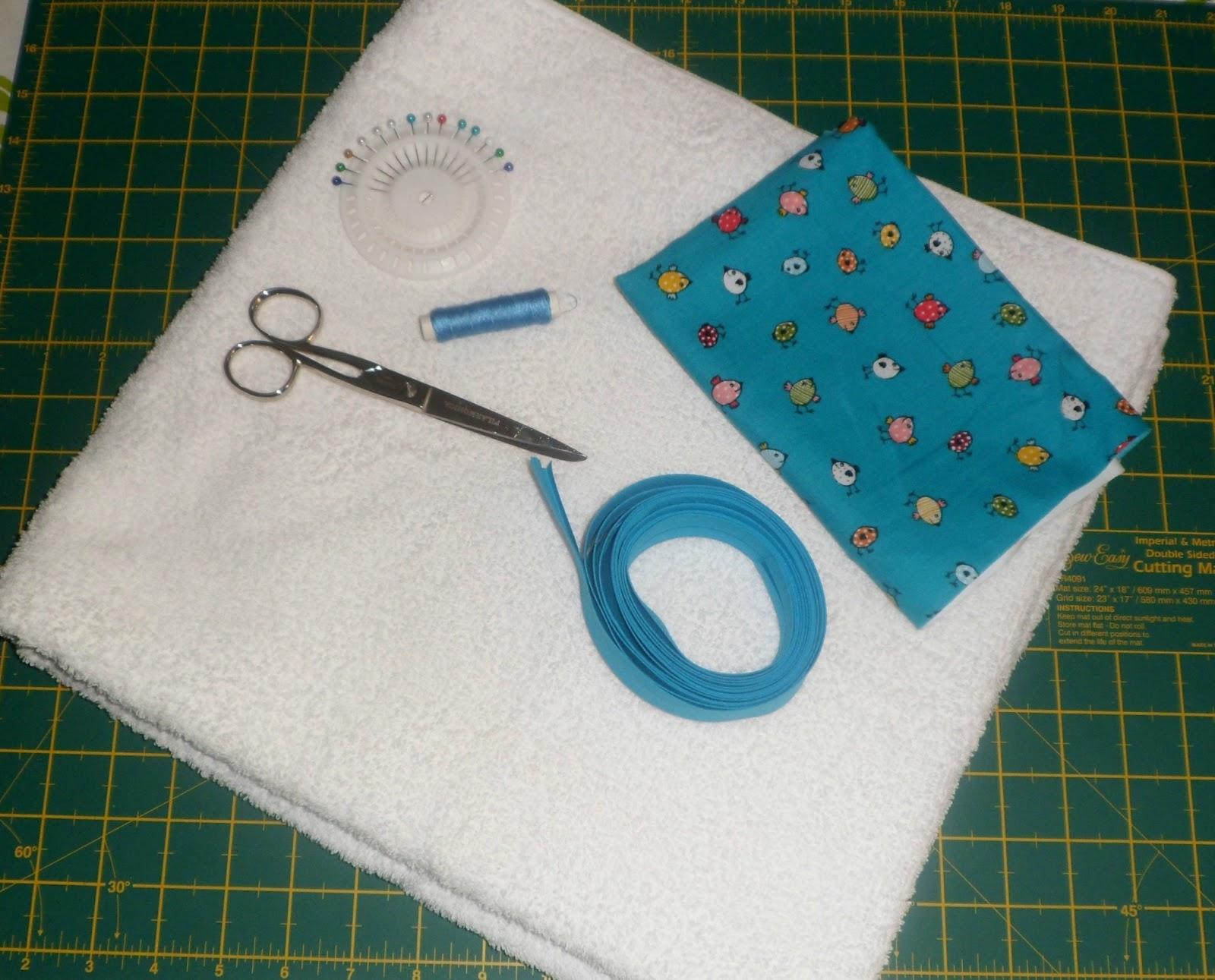 Medidas Toalla Baño Bebe:Cortamos la toalla blanca, un cuadrado de 75×75 (estas medidas son