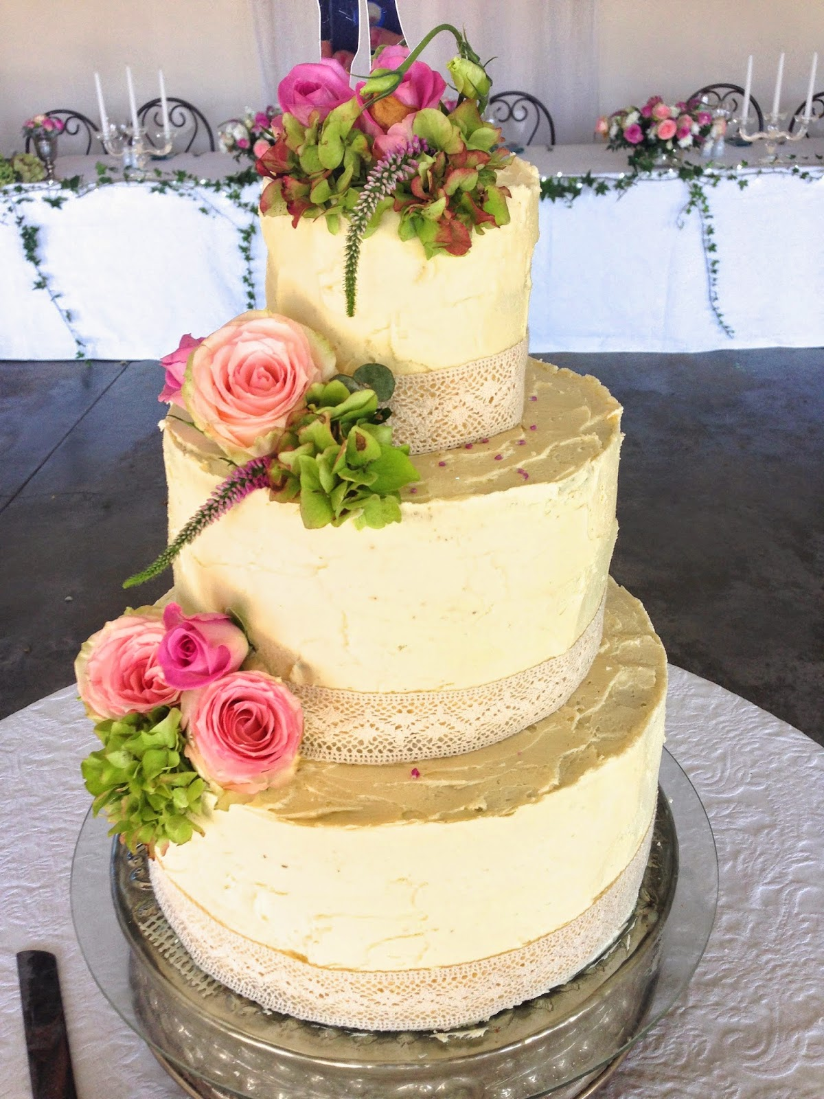 Rozanne\'s Cakes: Buttercream wedding cake with fresh flowers