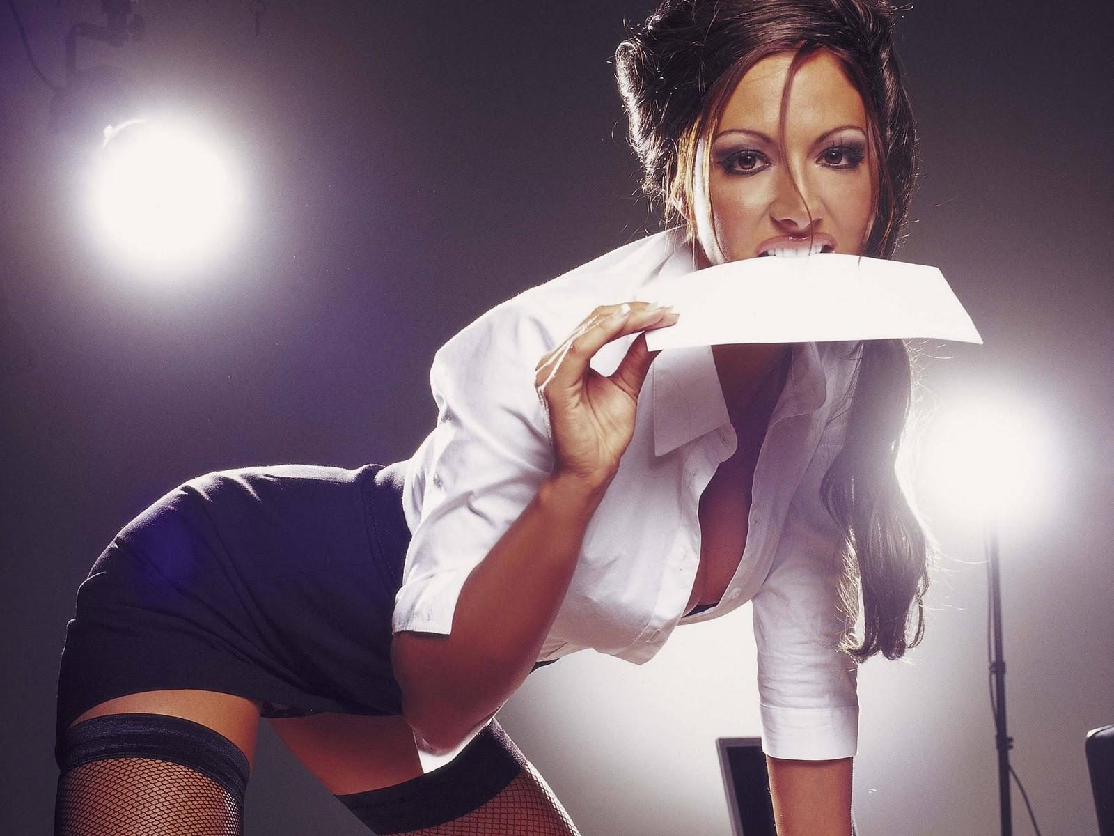 Фото красивая девушка секретутки эротика 12 фотография