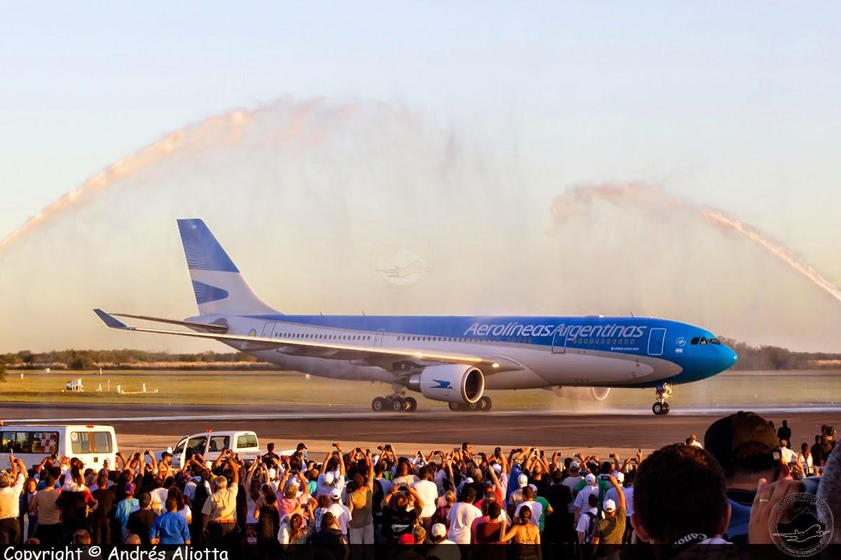 Presentación del primer Airbus A330 nuevo de fábrica de Aerolíneas Argentinas