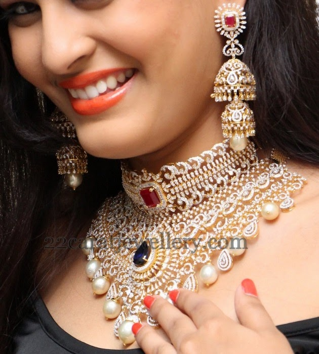 Swetha Jadhav Tremendous Diamond Set