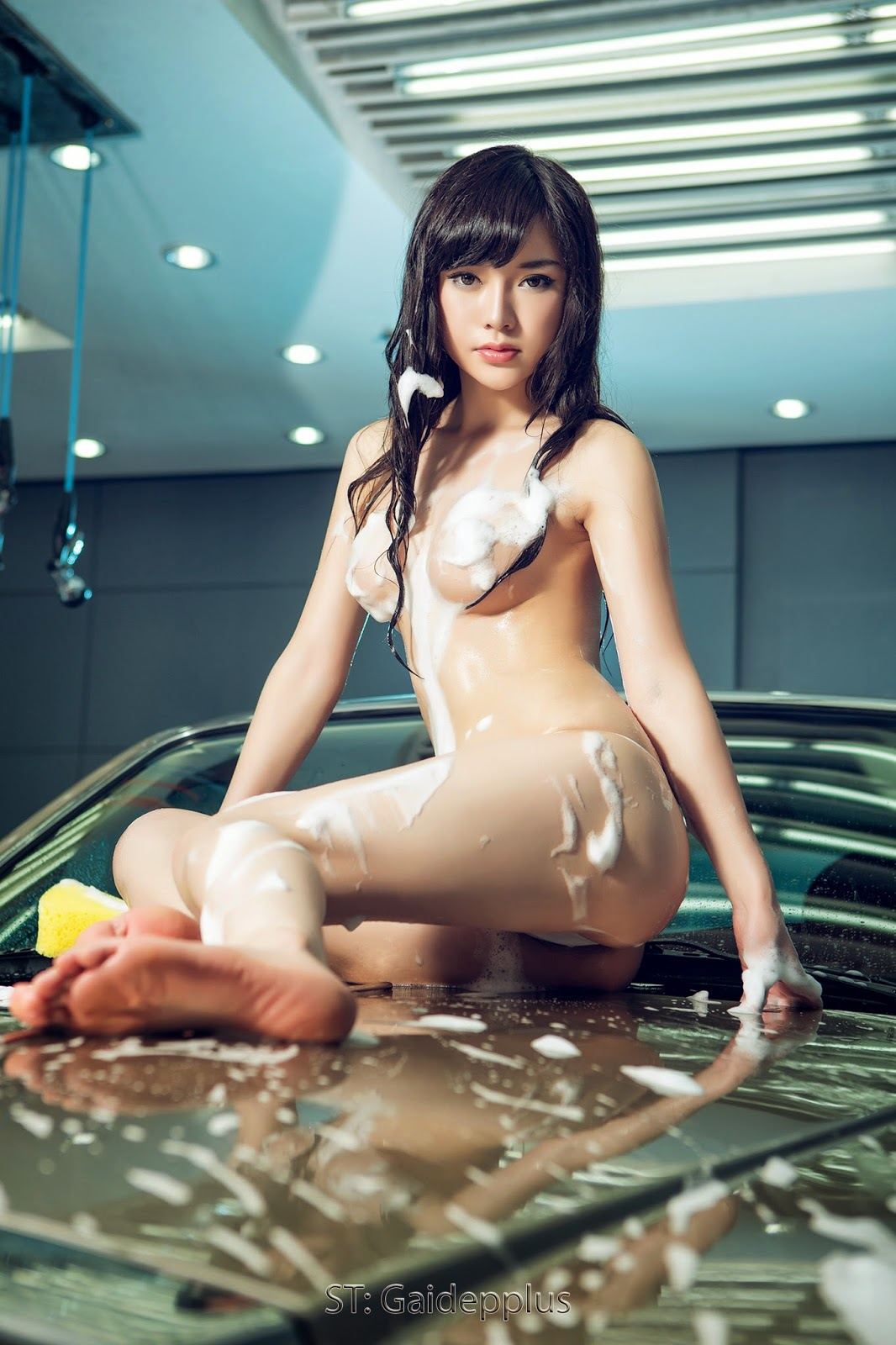naked korean car girls