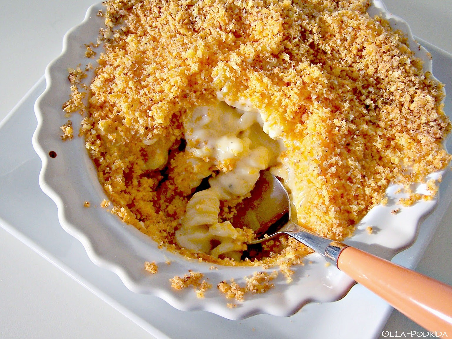 Cheetos-Crusted Mac And Cheese | Hot Cheetos Recipes For A Spiced Up Summer | Homemade Recipes