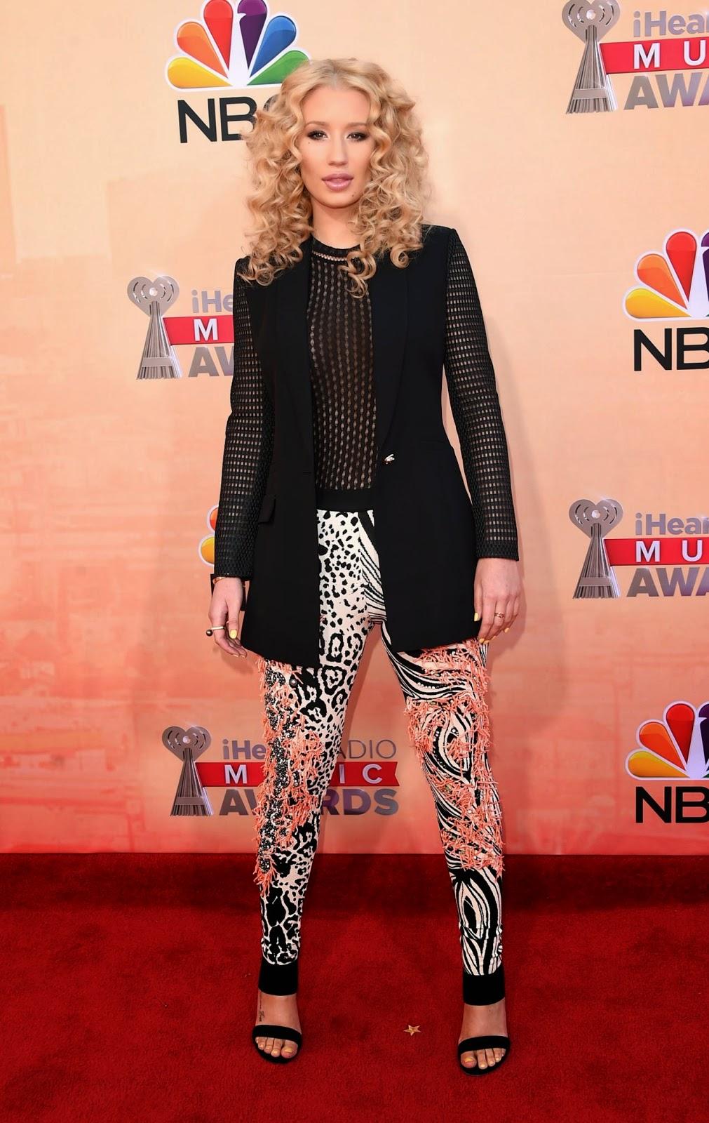 Iggy Azalea and Jennifer Hudson perform at the 2015 iHeartRadio Music Awards in LA