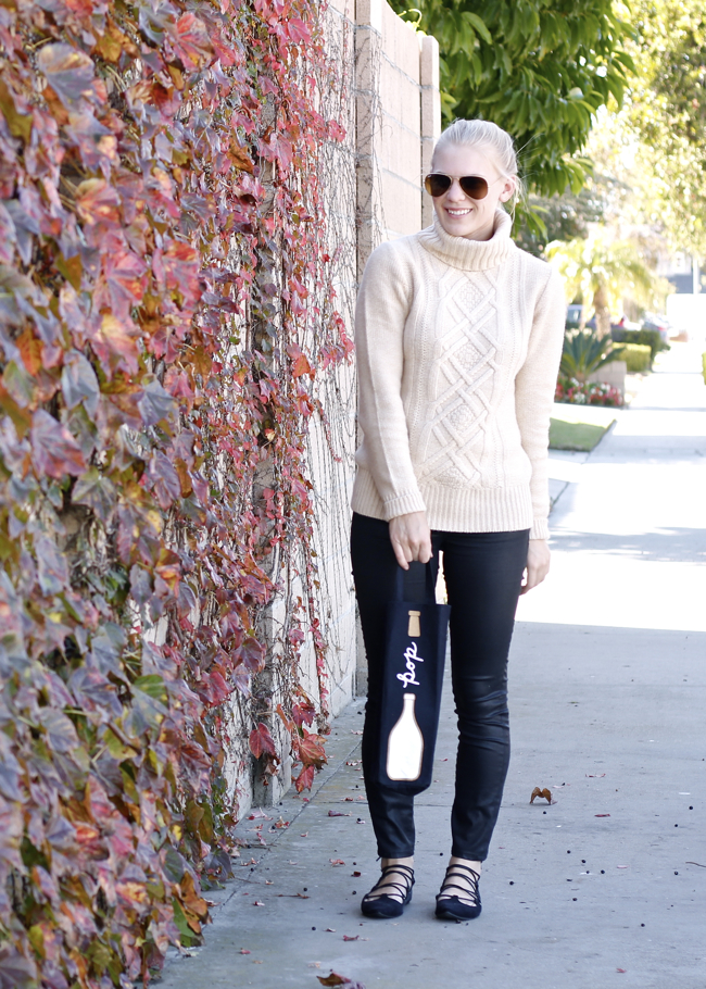 outfit, look, tan sweater, OC blogger, black jeans