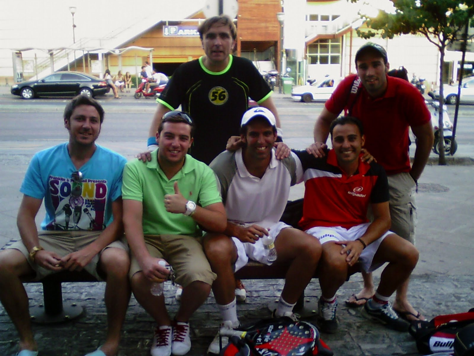 Raquetapala la real sociedad de tenis de granada se for Real sociedad hipica de granada piscina