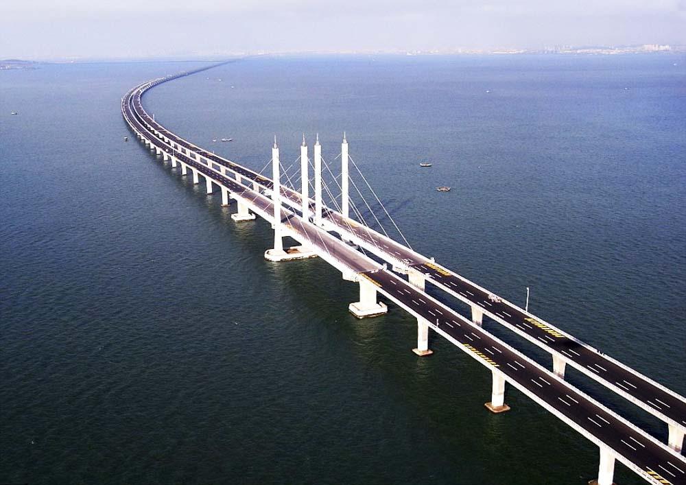 Resultado de imagem para China anunciar que a construção da maior ponte do mundo