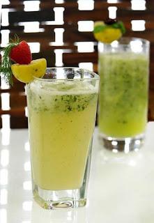 طريقة عمل عصير الليمون والنعناع بارد ومنعش