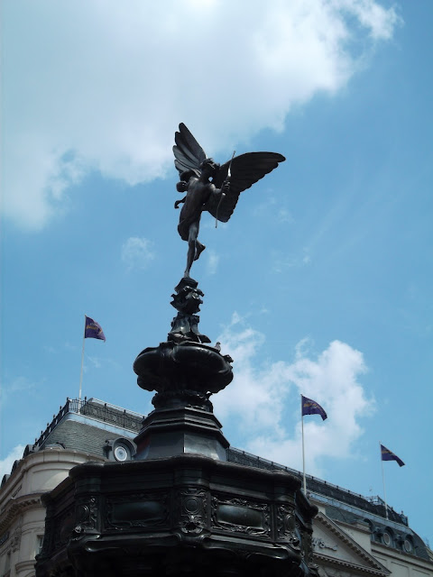 statue of eros picadilly circus London