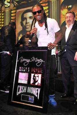 Imagen de Lil Wayne en la alfombra roja de los Grammy Awards 2011