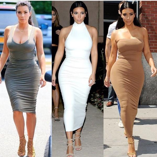 Красотка попа в платье