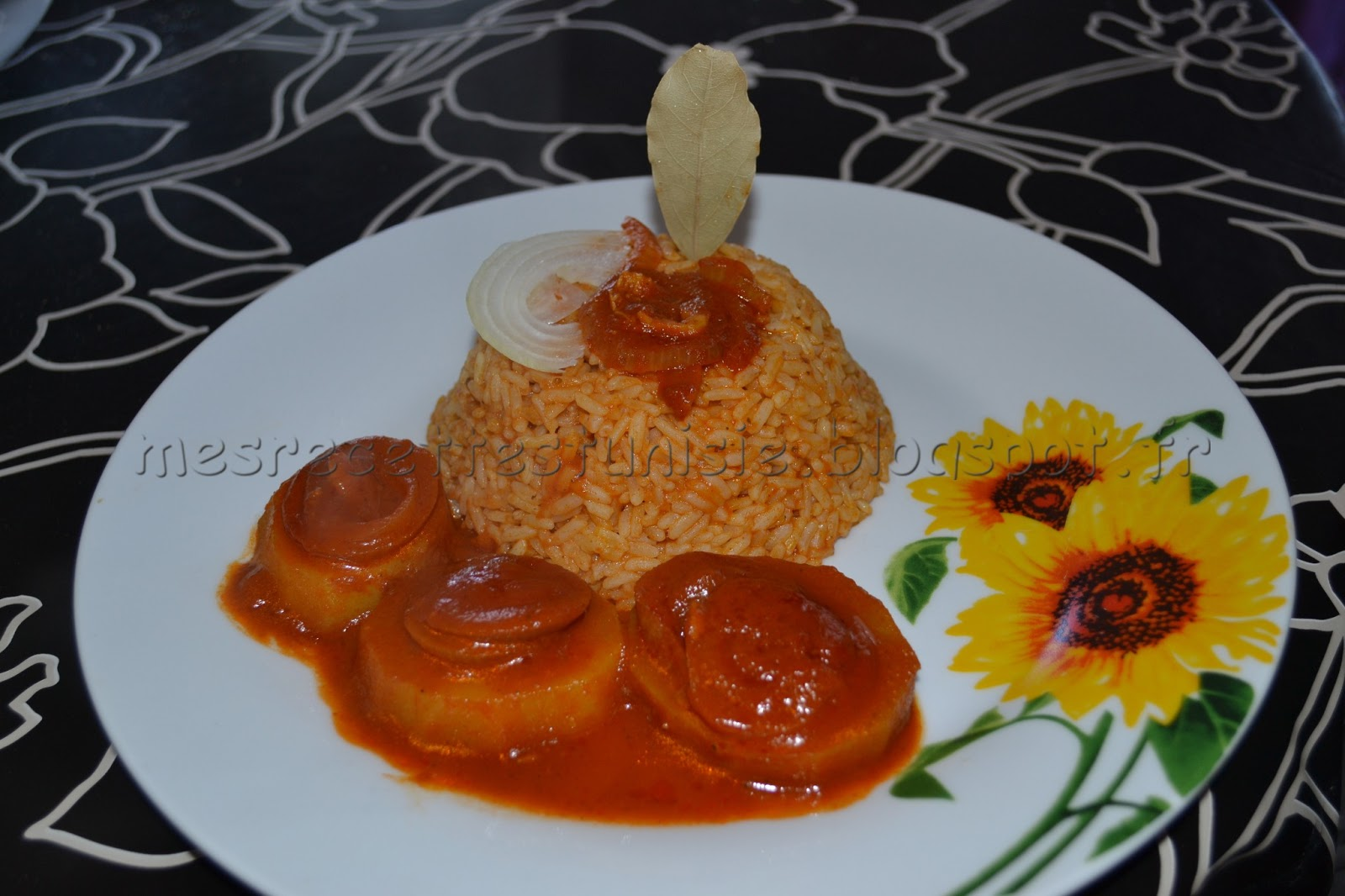 recettes tunisiennes jiji riz sauce tomate. Black Bedroom Furniture Sets. Home Design Ideas