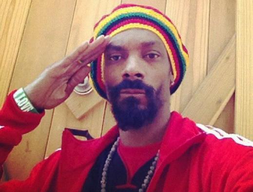 Snoop dog changes name to snoop lion