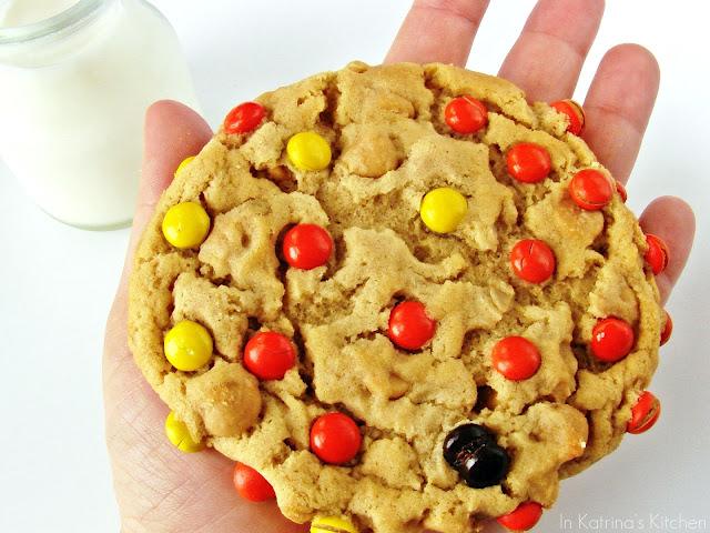 Soft, Chewy, Peanut Butter Oatmeal Cookies @katrinaskitchen