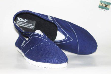 Sepatu Toms TOMS09