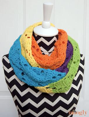 free crochet pattern chunky neon infinity scarf