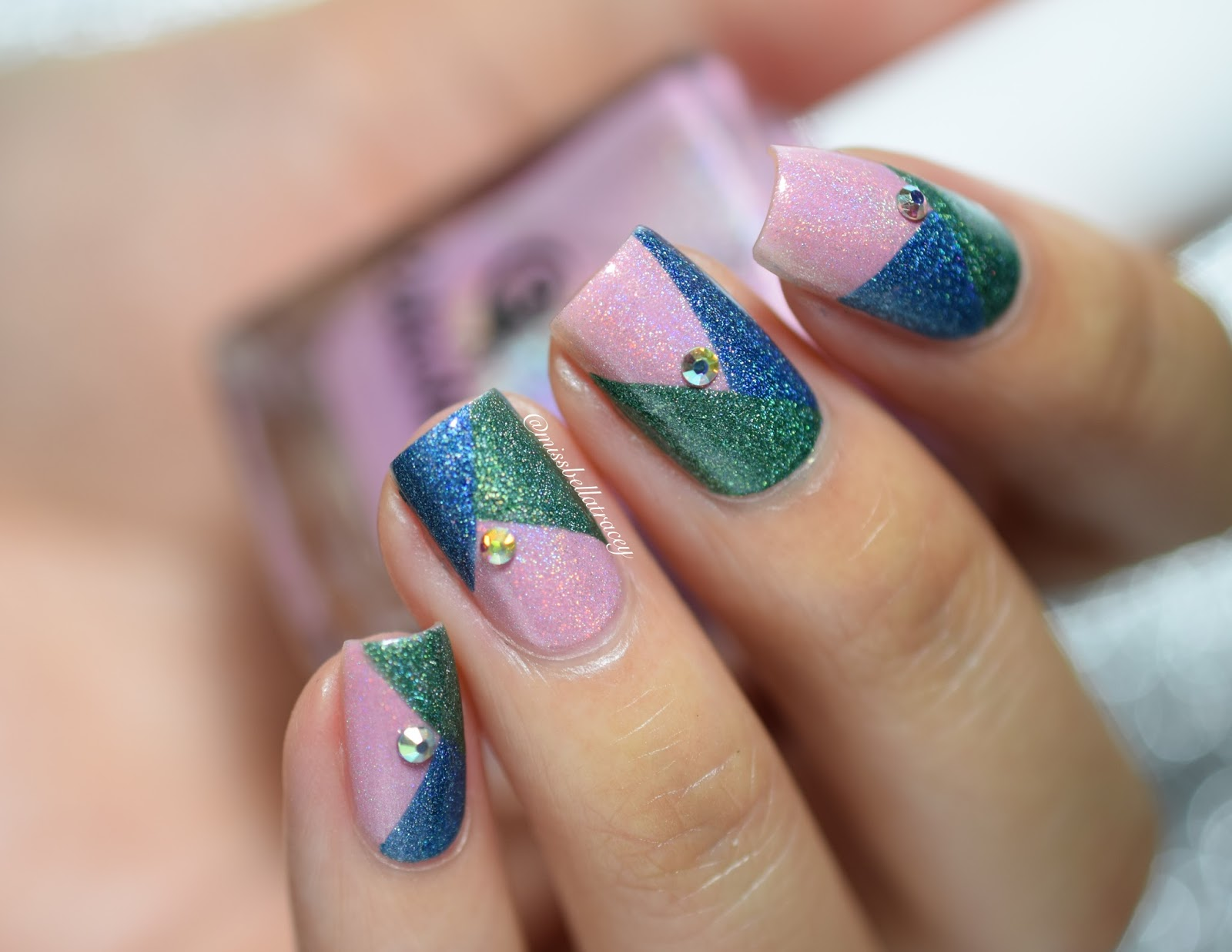 Missbellatracey colour block nail art i didnt use anything to protect the skin around my nails but i definitely should have you can use a liquid latex or even tape to cover so you have less prinsesfo Images