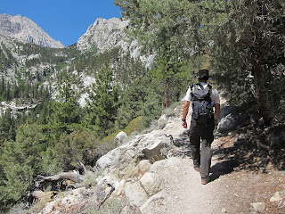 Day hike to Lone Pine Lake
