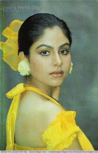 Naked Ayesha Jhulka 31