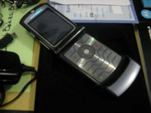 Motorola RAZR V3i Nyaris Fullset