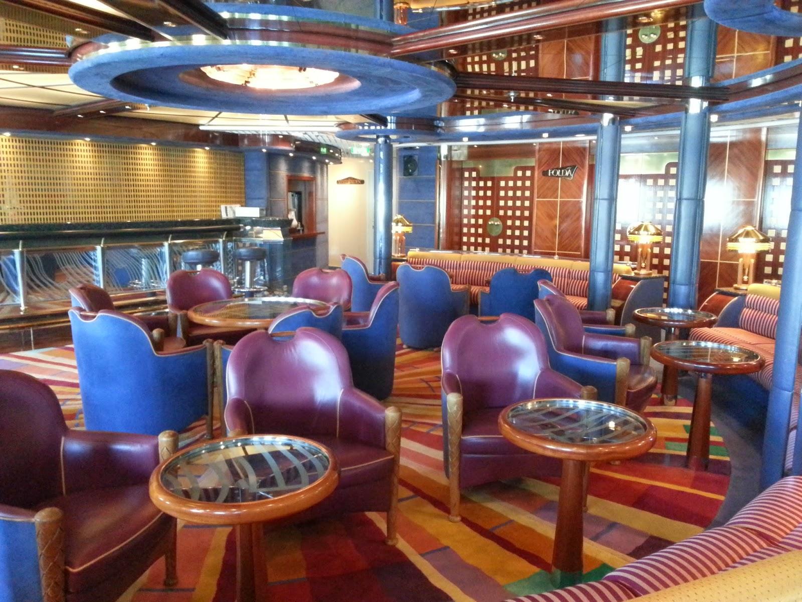 Hurtigruten MS Polarlys - Midnattsol Bar