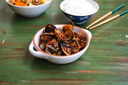 stir-fry clams with black bean sauce