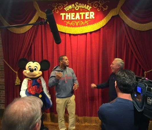 Lee Corso meets Mickey Mouse.