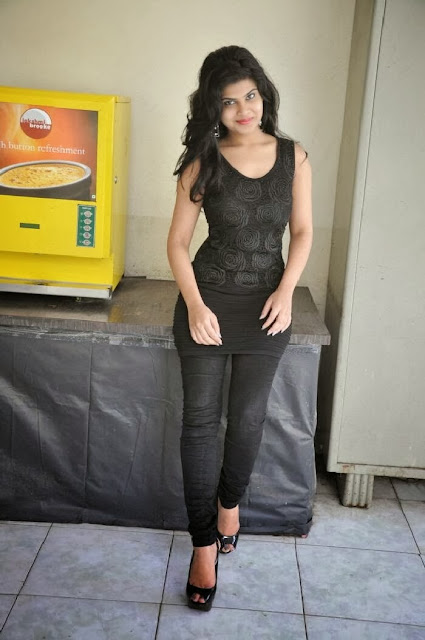 Alekhya Photo Gallery in Jeans