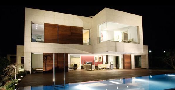 Fachadas minimalistas fachada trasera de casa moderna for Pintura casa moderna