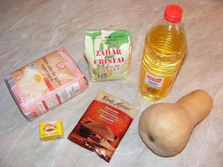 ingrediente pentru prepararea de cornuri cu dovleac si scortisoara de post, retete culinare, retete cu dovleac placintar,
