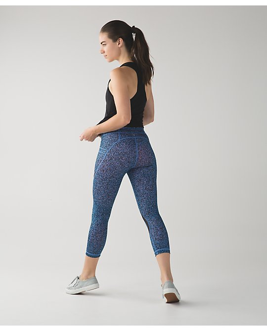 lululemon free-flow-crop